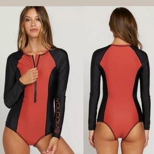 NWOT Volcom Bodysuit  Swimsuit rash guard